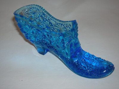Glass shoe-Daisy and Button