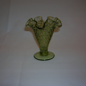 Fenton Hobnail vase in green