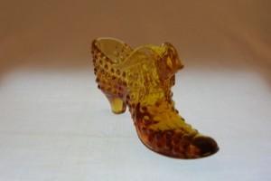Fenton Hobnail amber shoe