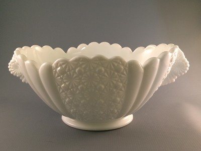 Fenton Daisy and Button Pattern Bowl