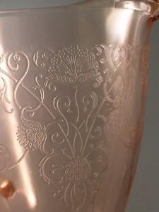 Florentine No 1 pink depression glass pattern closeup