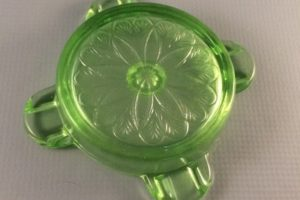 Jeannette Glass Sunflower ashtray bottom view