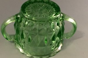 Jeannette Windsor green depression glass sugar bottom view