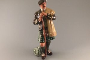 Royal Doulton figurine The Laird HN2361 side front view scottish man with walking stick in kilt with tam