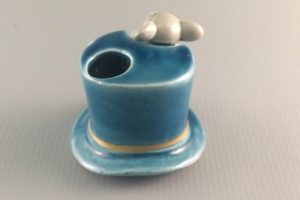 ceramic mouse in a top hat toothpick holder rear view Giftcraft Japan